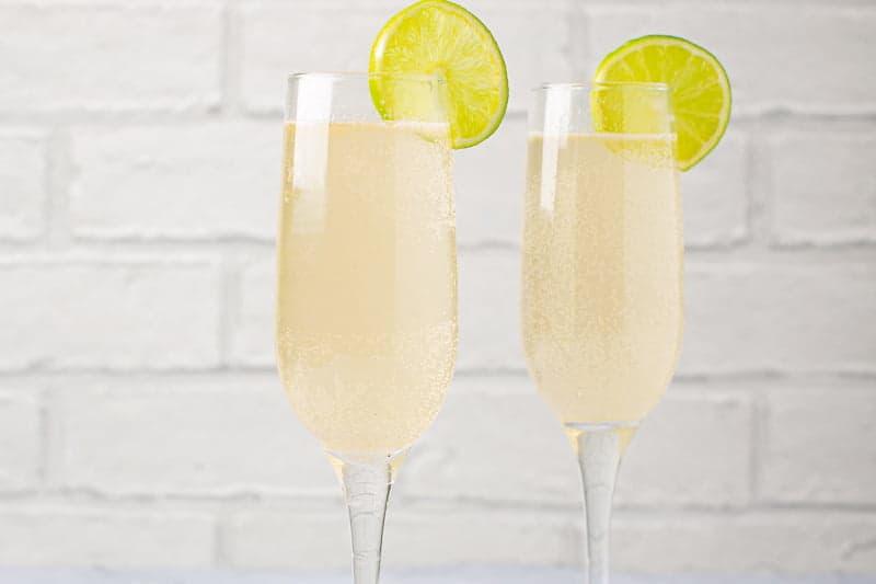 Gooseberry & Elderflower Fizz Cocktail